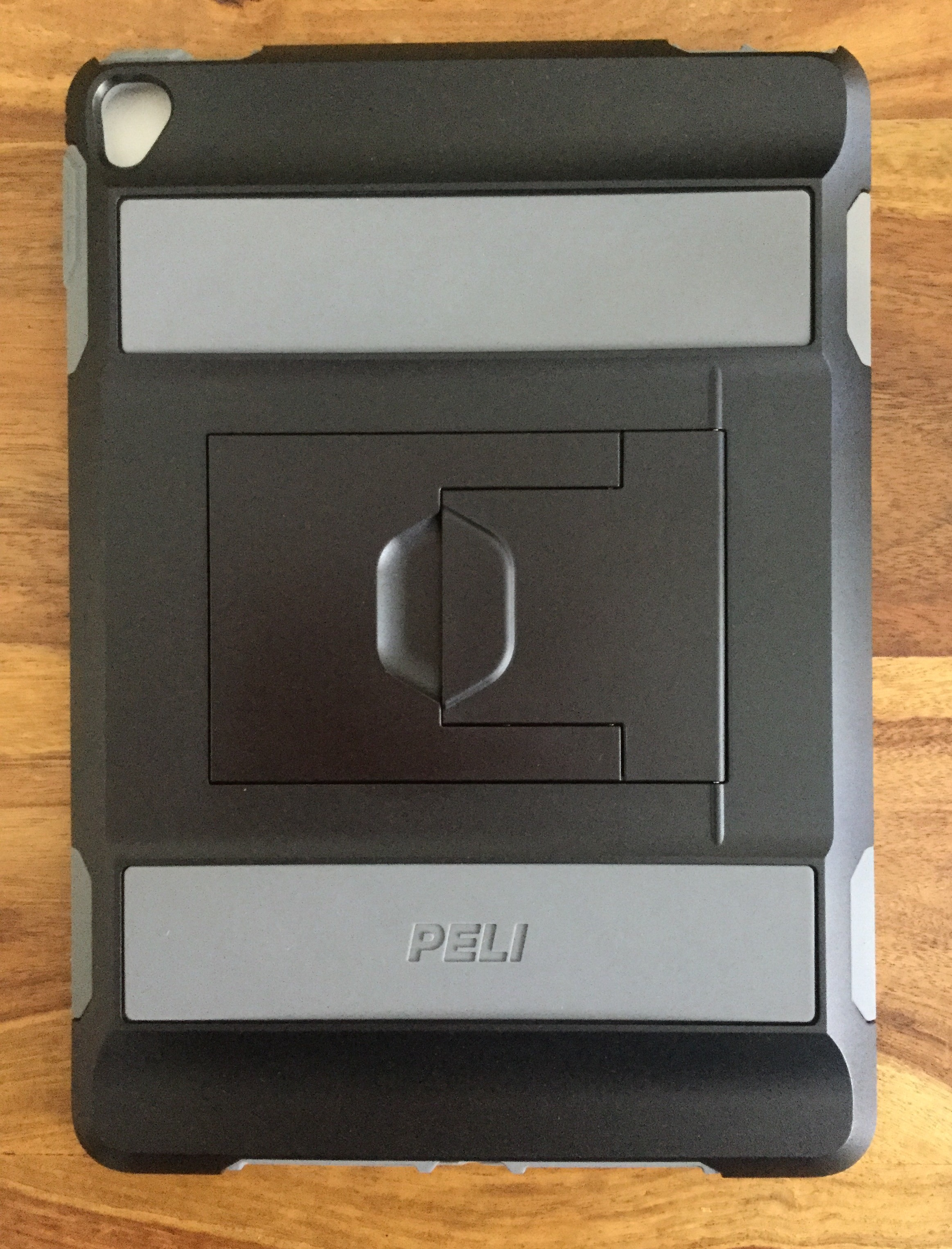 Peli Mobile Device Case Review and Giveaway - Voyager iPad Protection - Child proof and tested out by Luther of Frankie and the Lamb